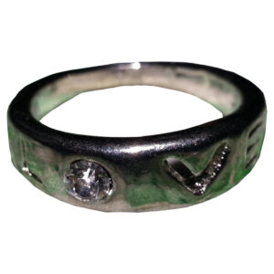 Ring med text: LOVE Storlek: 17 mm